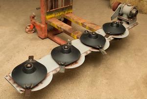 Брус 2,1.03.000Е режущий в сборе с роторами и редуктором